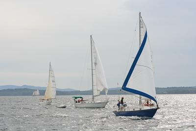Retired Skippers Race is blessed with steady wind