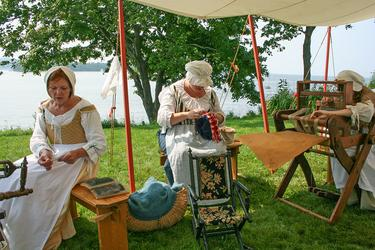 Women's work at a Highlander regiment encampment