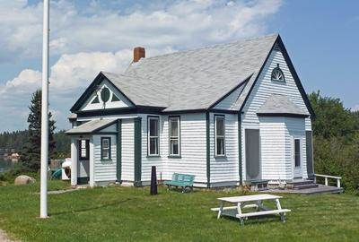 Isle au Haut school house