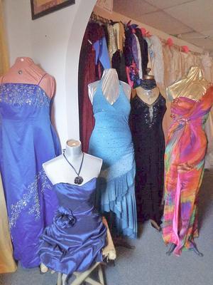 Queen S Closet Clothing Drive A Success Island Ad Vantages