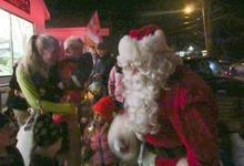 Santa gathers his fans
