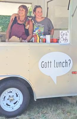 Gott Lunch? opens in Brooklin