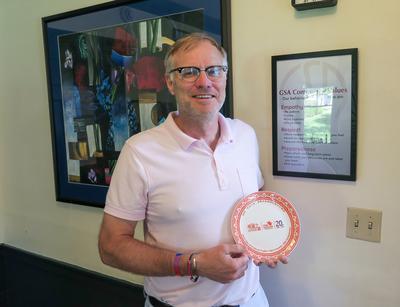 A commemorative plate