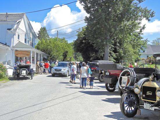 Brooksville hosts antique car club
