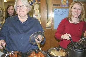 Spaghetti dinner opens town meeting in Penobscot, Maine