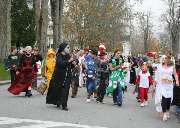 Castine parade