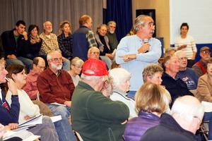 Penobscot citizen addresses Maine DMR officials