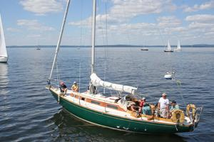 Apogee in the Maine Retired Skippers Race