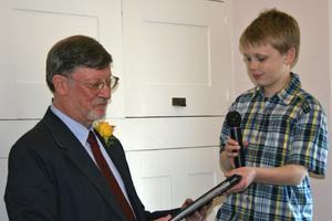 Mark Worth receiving award