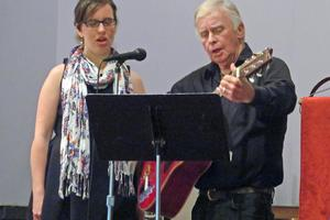 Songs mark Memorial Day in Deer Isle