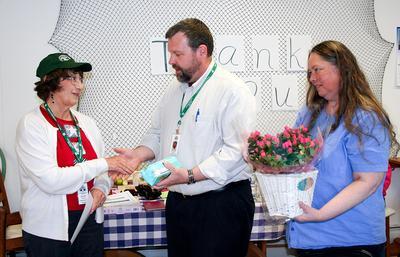 Stonington Community Café volunteers