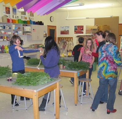 Shannon Westphal's art class decorates wreaths