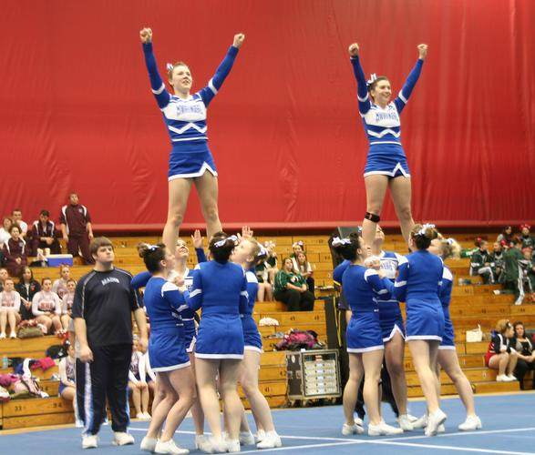 Mariners cheerleaders move on to state competition