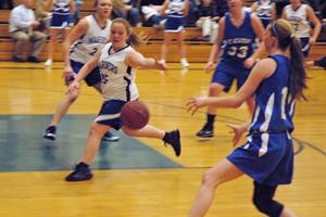 Abby Grindle squeaks through Lee Academy's defense