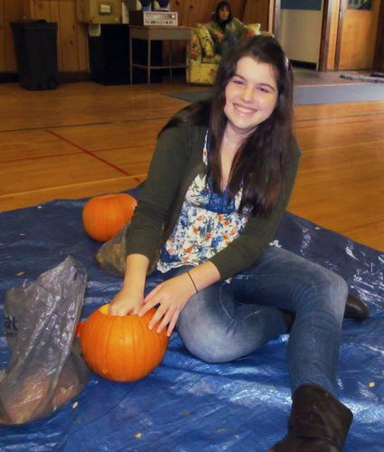Ellie Volane tries her hand at carving