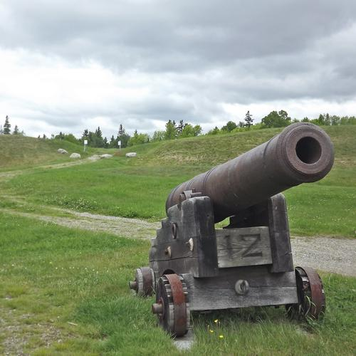 A cannon at Fort George