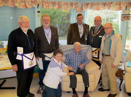 Brooklin masons honor one of their own