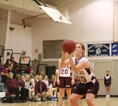 Anna Clapp shoots a foul shot