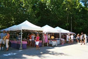 Vendors and artisans