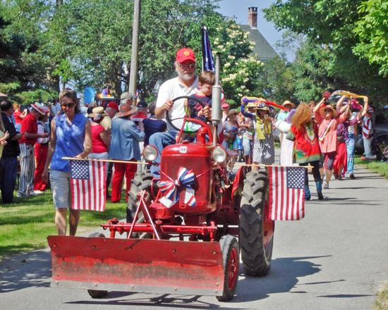 An eclectic july 4th parade in Harborside