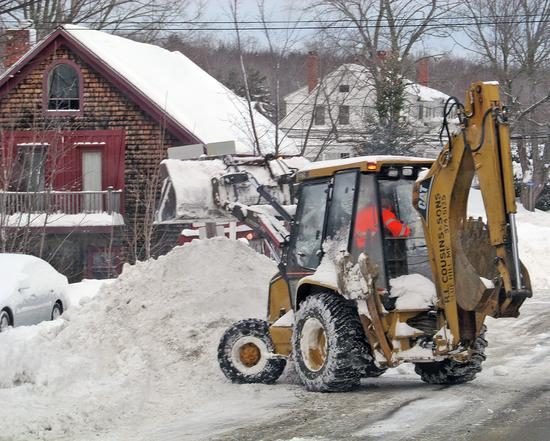 Clearing and removing snow from the streets