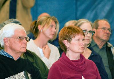 Citizens fill the Penobscot school gym for aquaculture forum